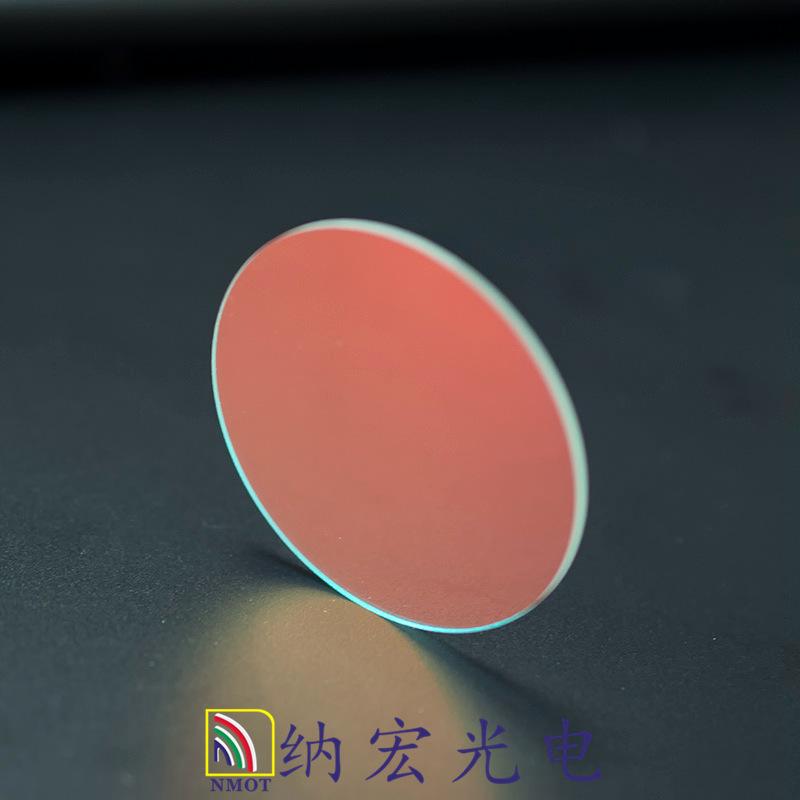 红外截止滤光片实物图