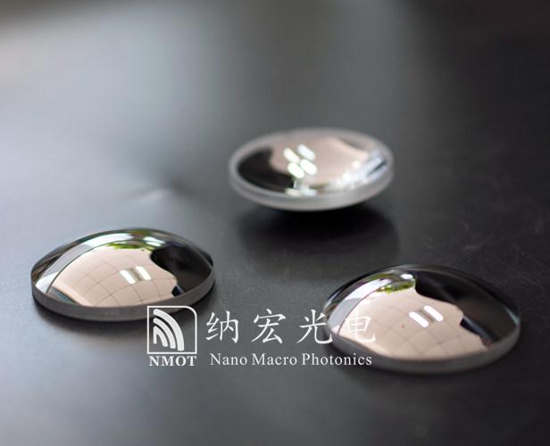 镀制金属膜之后的透镜